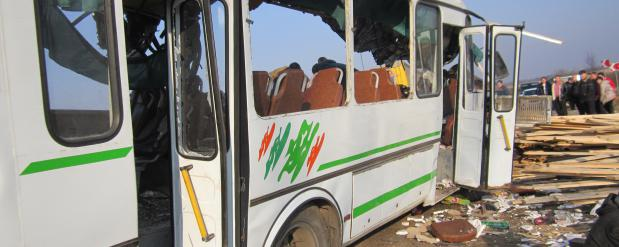 Под Нижним Новгородом погибли шесть человек в результате столкновения лесовоза с пассажирским автобусом