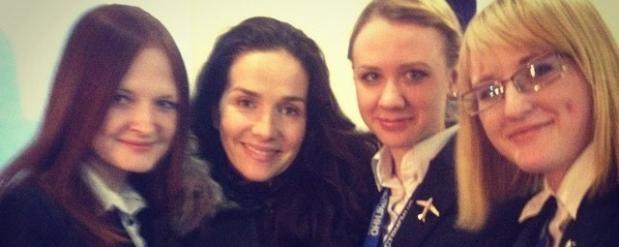Наталья Орейро сделала селфи с поклонниками в аэропорту Нижнего Новгорода